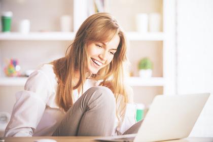 Online-Dating: 7 Tipps für Frauen zum Kennenlernen bei Singlebörsen © peshkova - Fotolia.com