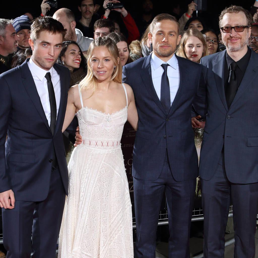 Bild von Robert Pattinson, Sienna Miller, Charlie Hunnam und James Gray