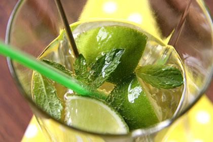 Die gesunde Limonade als Sommerdrink